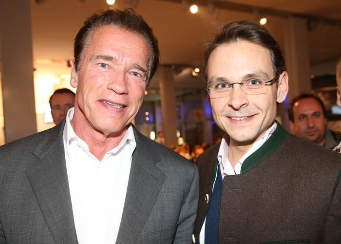 Steirer Unter Sich Hollywood Star Arnold Schwarzenegger Und Gerald Grosz In Schladming